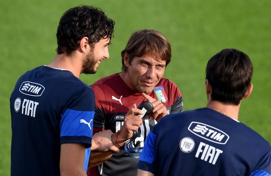 Наставник итальянской сборной Антонио Конте назвал футболистов, которые будут готовиться к заключительным баталиям квалификации Евро – 2016