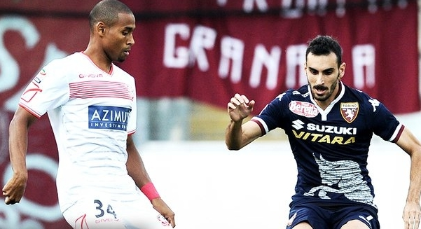 Пятое место, позволяющее надеяться на Лигу Европы, занимает «Торино», который проиграл дебютанту «Карпи» - 1:2
