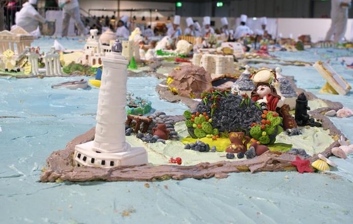 Итальянцы испекли самый огромный в мире торт
