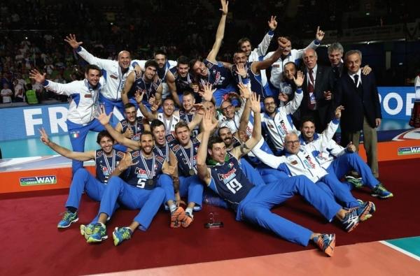 Итальянская сборная в полуфинале проиграла настоящему открытию нынешнего первенства, волейболистам Словении