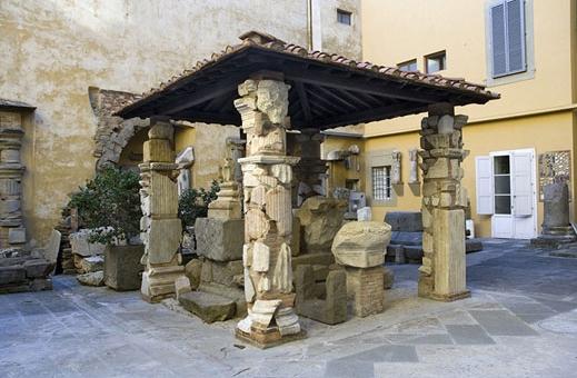 «Cortile dei fiorentini» (Флорентийский двор) открыт для посетителей по прошествии 50 лет