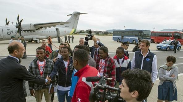 «Пилотная» группа мигрантов из Эритреи вылетела в Швецию