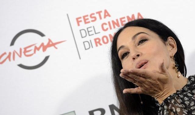 Прекрасная фигура и внешний вид знаменитой итальянки Моники Беллучи поражает всех мужчин планеты