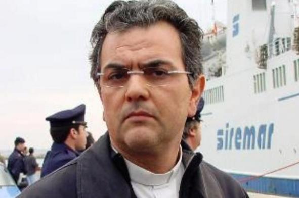 Итальянский священник помог беженцам и потребовал от них за это секс