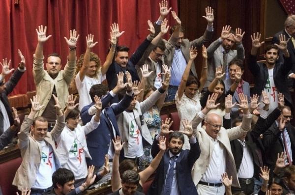 Итальянская партия «5 звезд» отправляет своих представителей в Крым