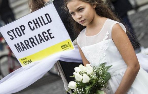 Пантеон, Рим. 10-летняя девочка сочетается браком с 47-летним мужчиной