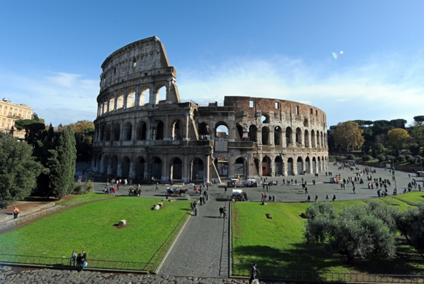 По посещаемости всех музеев Италии первое место взял Колизей)