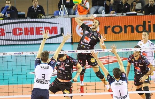 Результативной игрой в составе итальянской команды отметились один из лучших доигровщиков мирового волейбола Османи Хуанторена – 23 очка