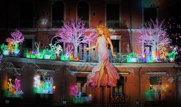 Салерно десятый раз удивит мир артистическими новогодними огнями