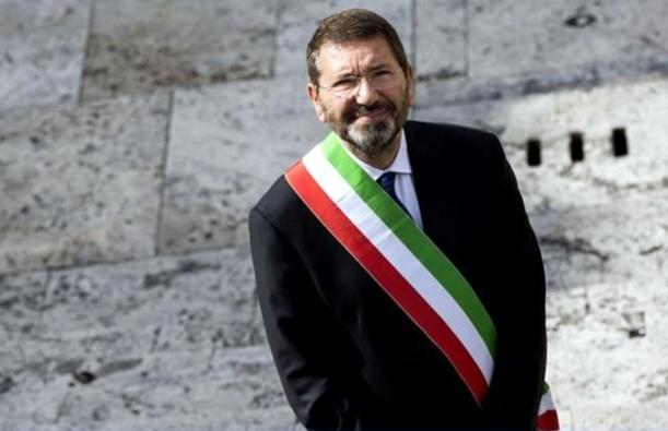 Мэр Рима не захотел уходить в отставку