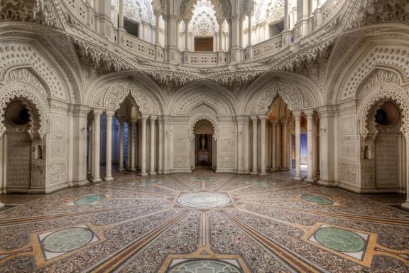 Огромный особняк выставлен на продажу в Италии