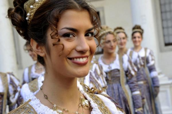 Венецианский фестиваль без масок