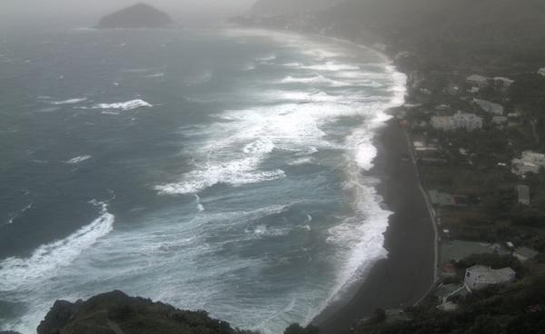 Шокирующее заявление учёных: «Неаполь будет смыт морем»