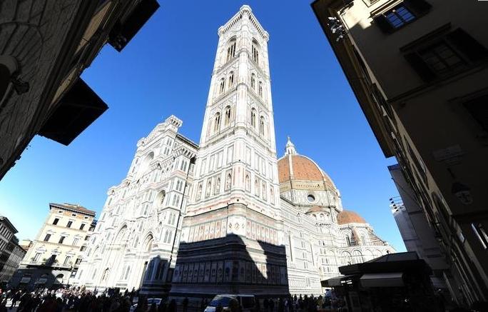 Площадь Дуомо во Флоренции будет раздавать бесплатный Wi-Fi