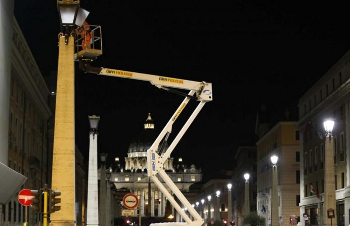 Рим. Площадь Святого Петра в ночных огнях