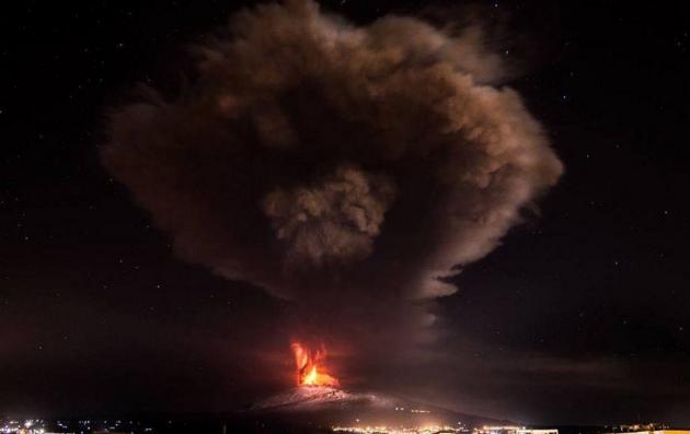 Аэропорт Калабри закрыт из-за извержений вулкана Этна