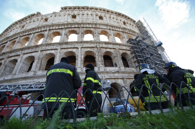 Римский бизнесмен залез на Колизей, чтобы совершить суицид