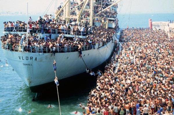 Очередное крушение парома с беженцами возле итальянских берегов