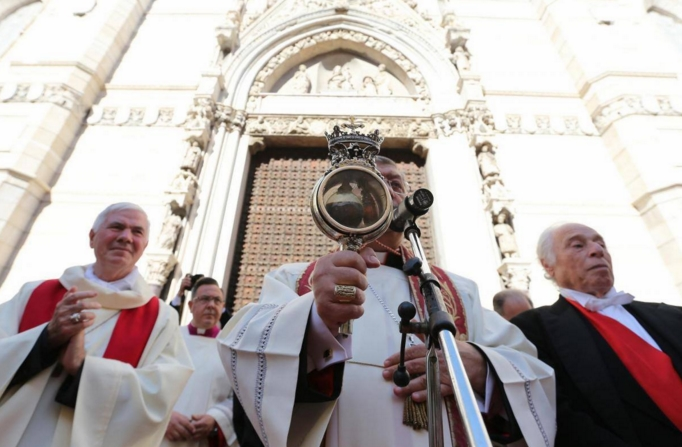 Декабрьское чудо в Неаполе свершилось, но свидетельствует о предстоящих трудностях