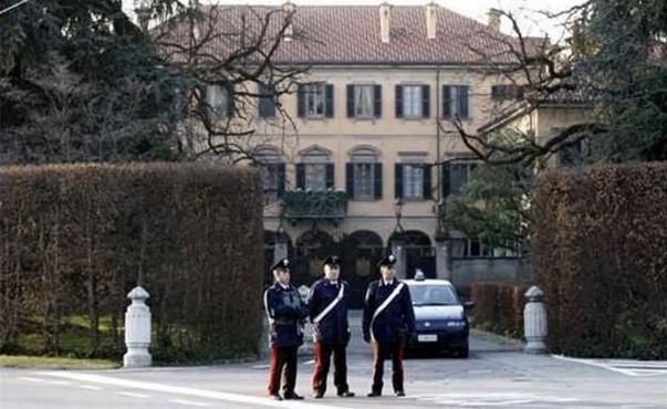 Итальянец пытался совершить самоубийство у дома Берлускони