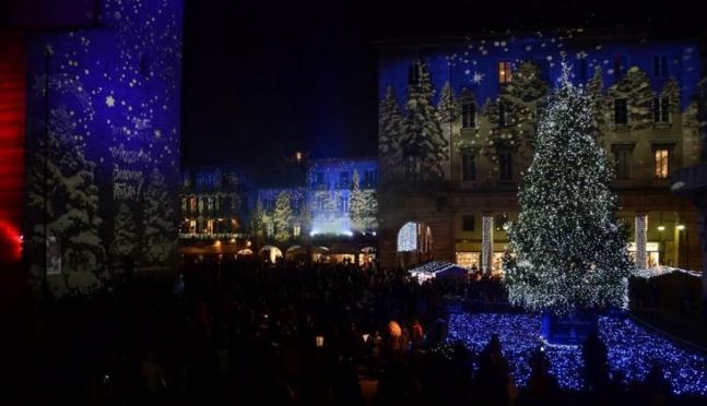 Комо. Рождественские праздники в стиле видео-мэппинг