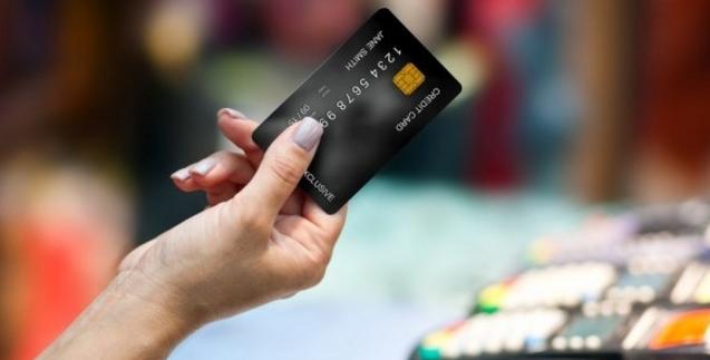 Оплатить небольшие покупки в Италии можно будет с помощью карточки