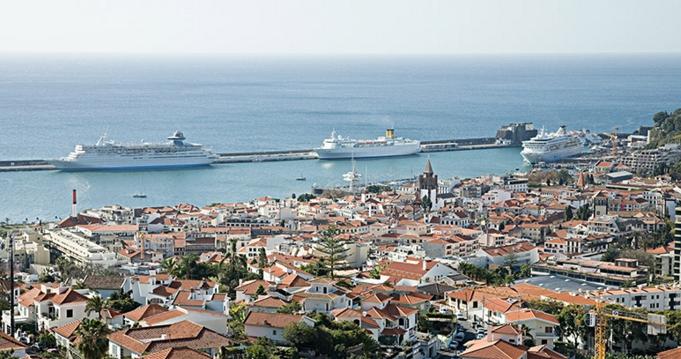 главный порт португальской Мадейры – Фуншал
