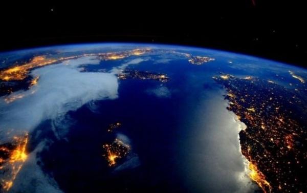 Фото. Ночная Италия с космоса