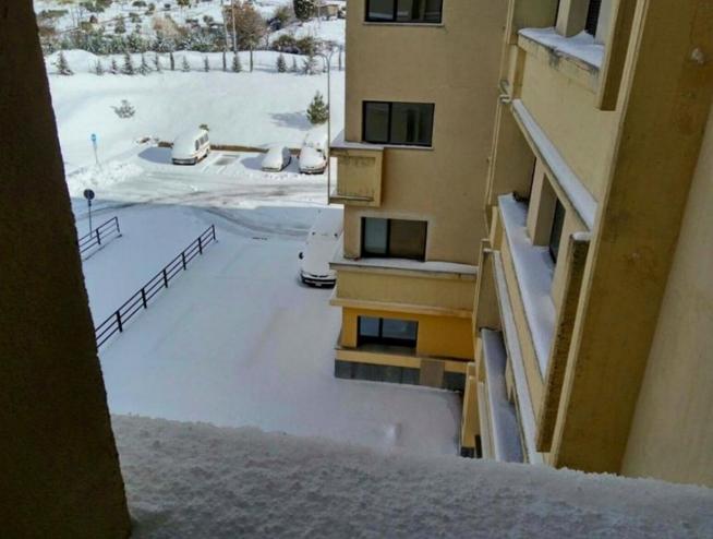 Сицилия, в понедельник утром жители проснулись и увидели свой остров, присыпанный белым покрывалом