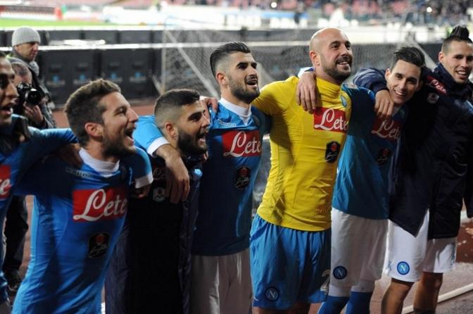 «Наполи» добывает очень важную волевую победу и по прежнему возглавляет турнирную таблицу Серии А.