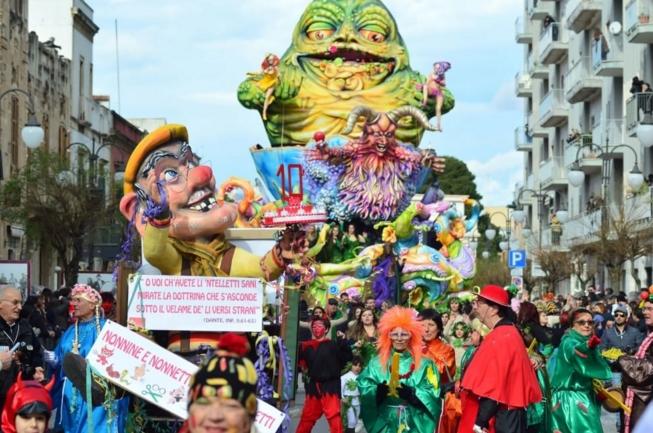 Путиньяно. Самый старейший карнавал в Европе