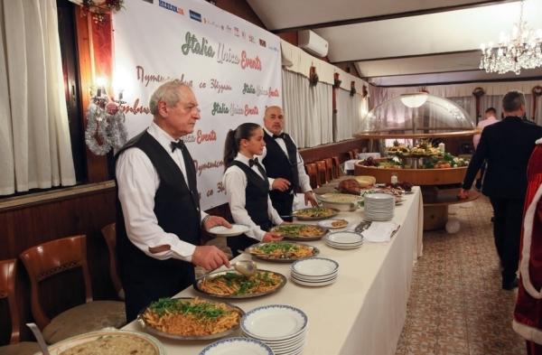 Итальянские производители и рестораторы щедро потчевали публику