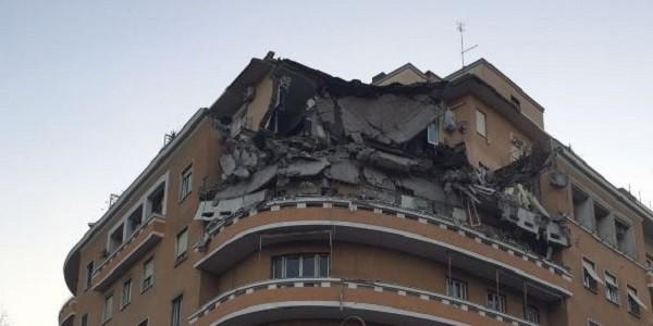 Рим. Часть жилого здания обрушилась в центре итальянской столицы