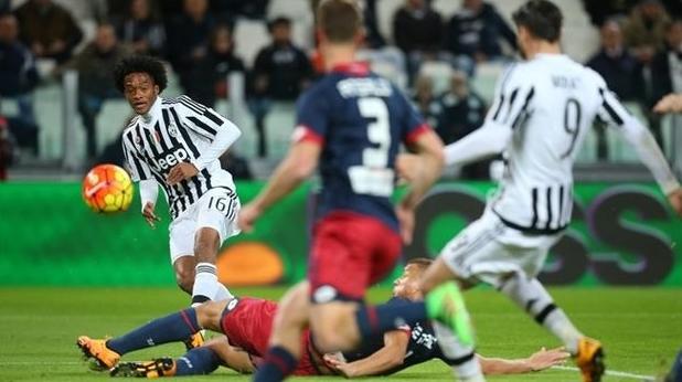 «Наполи» беспроблемно разобрался в Риме с «Лацио», а «Ювентус» победил дома, на классе, затратив минимум усилий