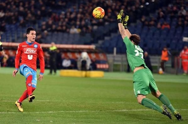 отличился и сам испанец. Лоренцо Инсинье, со своей половины, длинным пасом выел Кальехона на рандеву с Маркетти и Хоес умело перекинул мяч через вышедшего вратаря