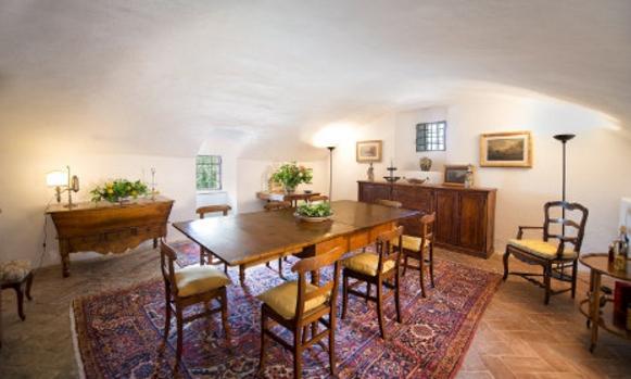 Вилла, которая когда-то принадлежала великому художнику и скульптору Микеланджело Буонарроти, выставлена на продажу