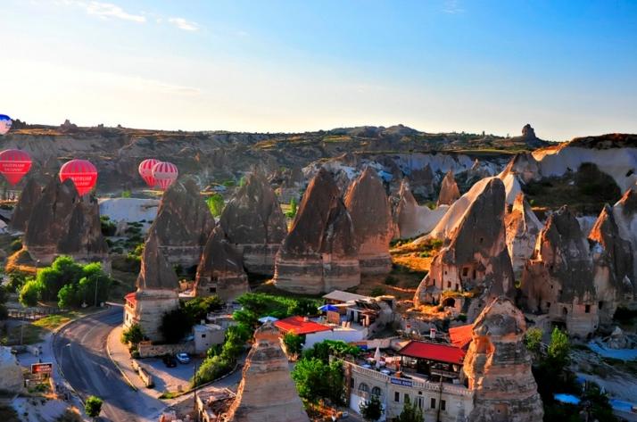 первое место среди которых занял турецкий городок Гереме в Каппадокии