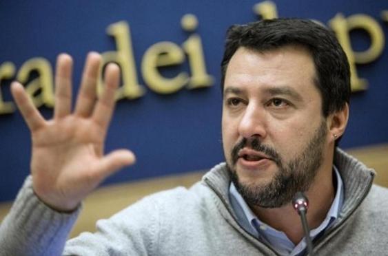 Итальянская оппозиция предлагает отказаться от Шенгена и топить лодки с беженцами