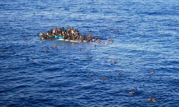 У берегов Италии снова спасены беженцы