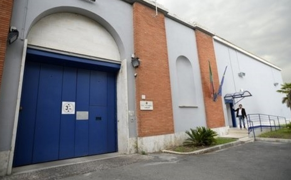 Убийца сбежал из итальянской тюрьмы с помощью простыней