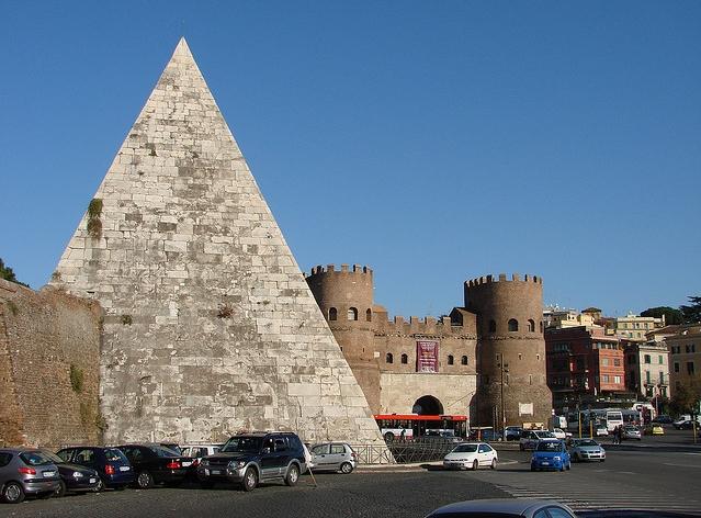 Рим. Публика столицы сможет увидеть пирамиду, возраст которой около 2000 лет