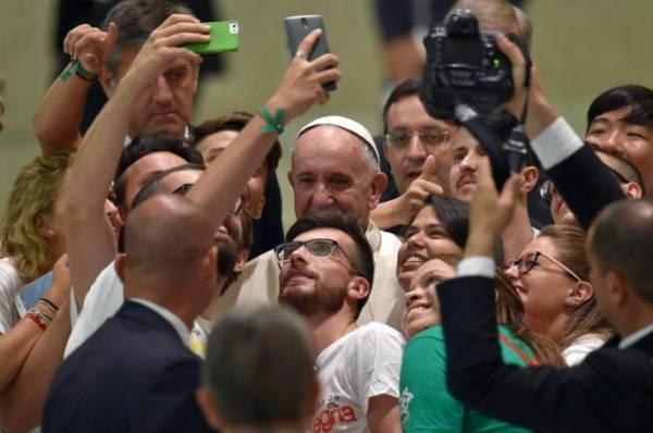 Instagram для Папы Римского