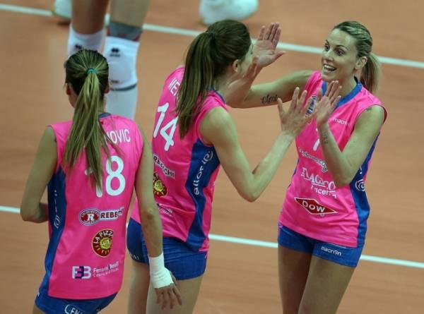 Dinamo KAZAN - Nordmeccanica PIACENZA 3:0 (25:14, 25:23, 25:21)