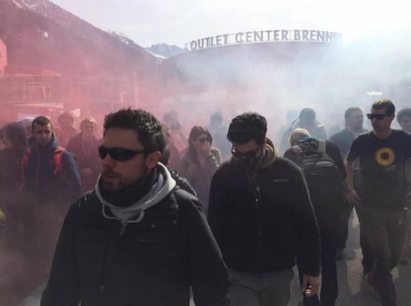Конфликт между мигрантами и полицией на границе Италии и Австрии