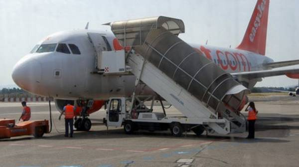 Мужчину сняли с самолета в Пизе из «соображений безопасности»