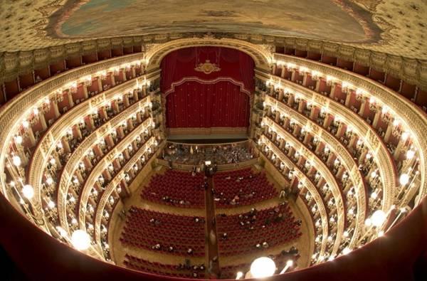 Неаполь: «Русский след» в Театре Сан Карло