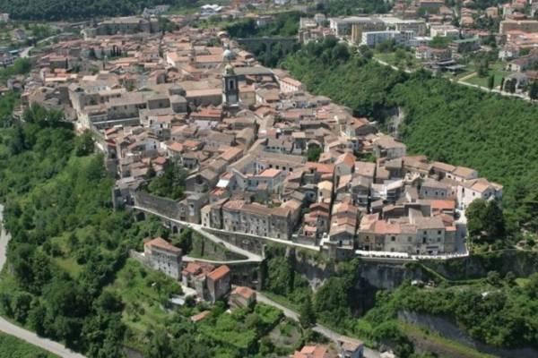 Этап легендарной веломногодневки финишировал в регионе Кампания