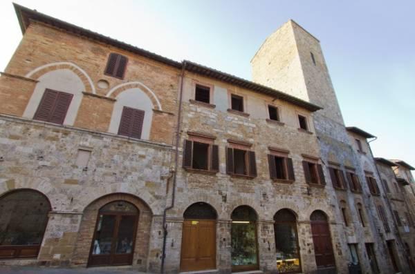 В провинции Сиена открылся уникальный дом-башня XII века