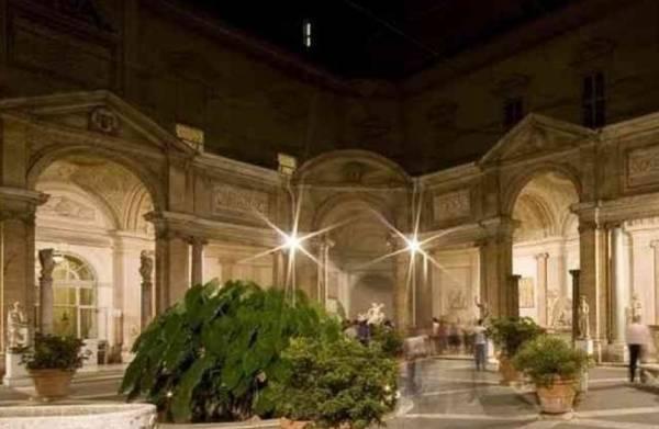 Ночных посетителей ждут в музеях Ватикана