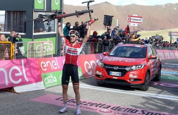 Бельгийский гонщик команды Lotto Soudal Тим Велленс